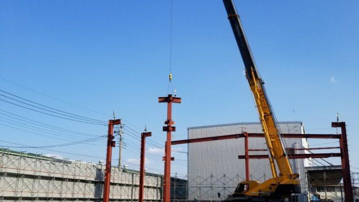 新川口工場の建て方が始まりました。